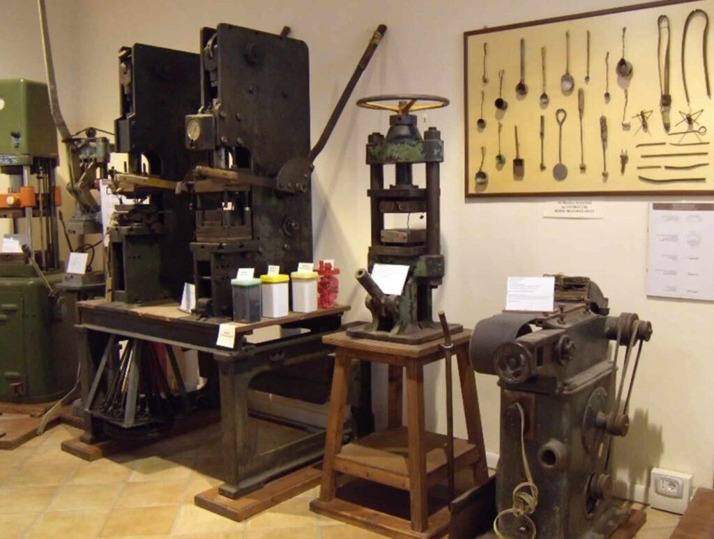Alcune attrezzature meccaniche allocate nel museo