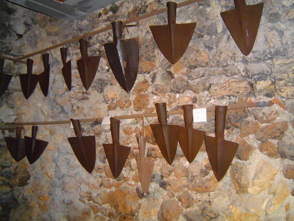 Collezzione di vari manufatti in ferro